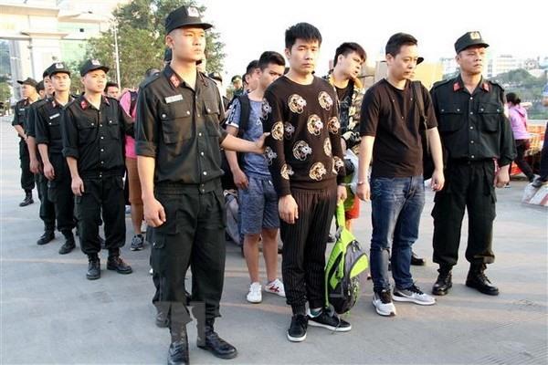 Công an Lào Cai bắt 10 người Trung Quốc có hành vi lừa đảo