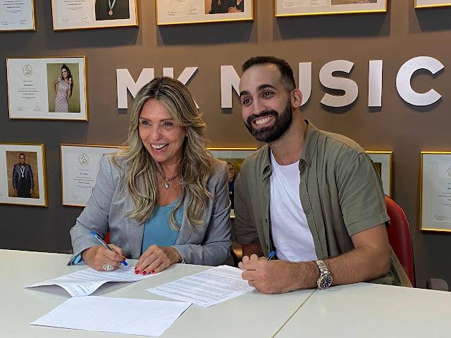 Arthur Callazans assina contrato de exclusividade com a MK