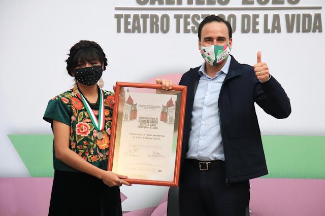 """Saltillo entregó los premios nacionales de Ballet y Dramaturgia """"Teatro Testigo de la vida"""" 2020"""