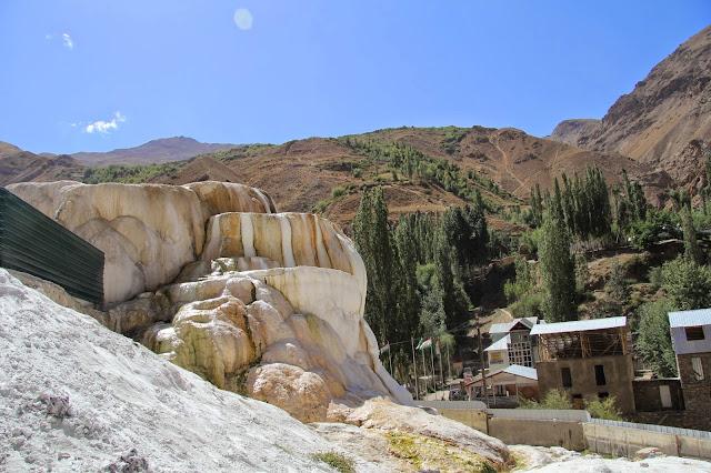 Tadjikistan, Haut-Badakhshan, Pamir, Garmchashma, gypse, geyser, © L. Gigout, 2012