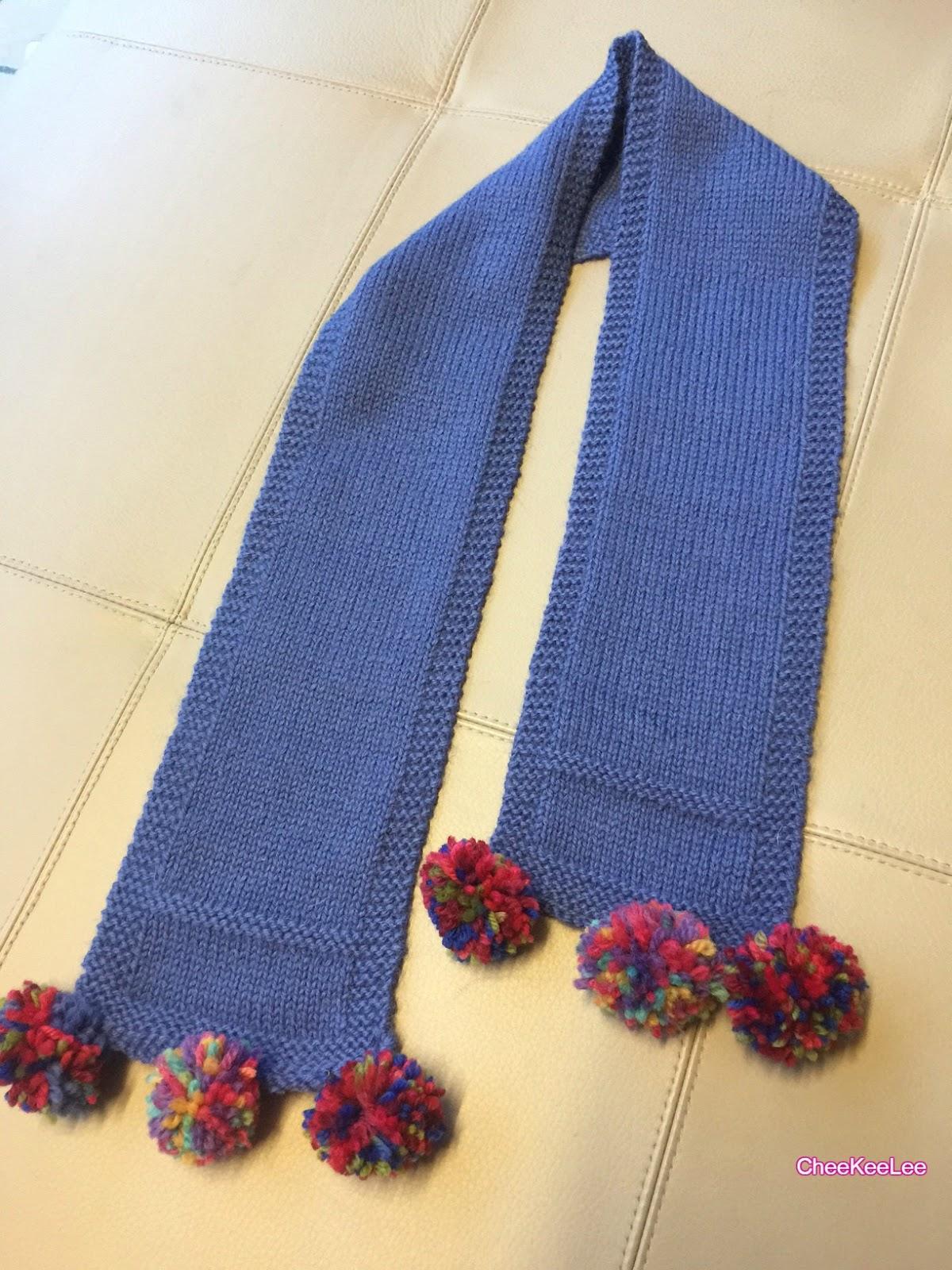 Knitting Pattern For Scarf With Pom Poms : CheeKeeLee: Pom Pom Scarf