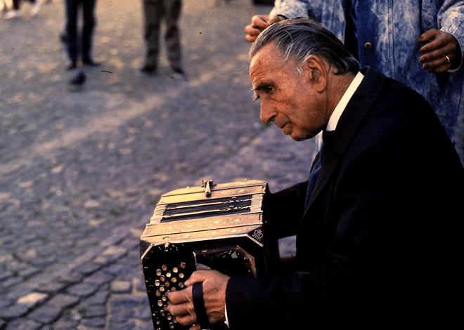 Músico tocando el bandoneon. Foto Rodrigo L. Alonso