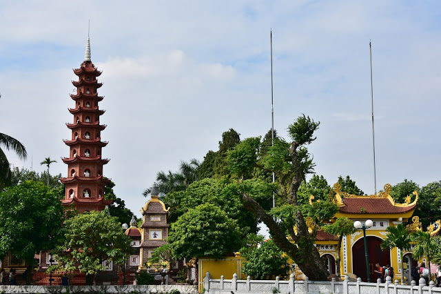 The oldest temple in the capital Hanoi - Tran Quoc Pagoda