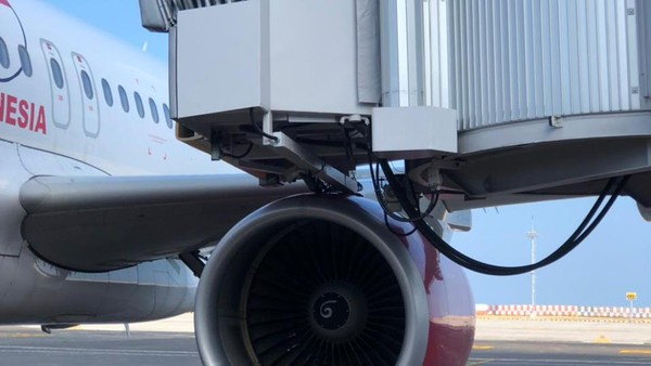 Pesawat Batik Air Tabrak Garbarata di Bandara Ngurah Rai Bali