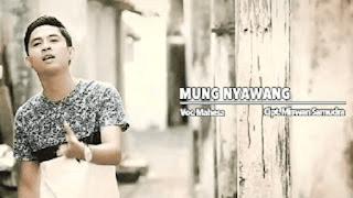 Lirik Lagu Mung Nyawang (Dan Artinya) - Mahesa