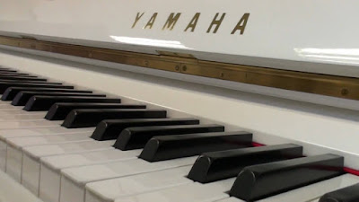 Lý do bạn nên mua cho bé đàn piano điện yamaha ngay hè này