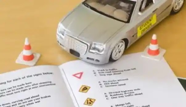 Traffic Police of Rawalpindi Stops Issuing Drivers Licenses