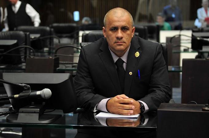 Soldado Fruet emite nota de esclarecimento sobre contratação de ônibus durante visita de Bolsonaro à Foz