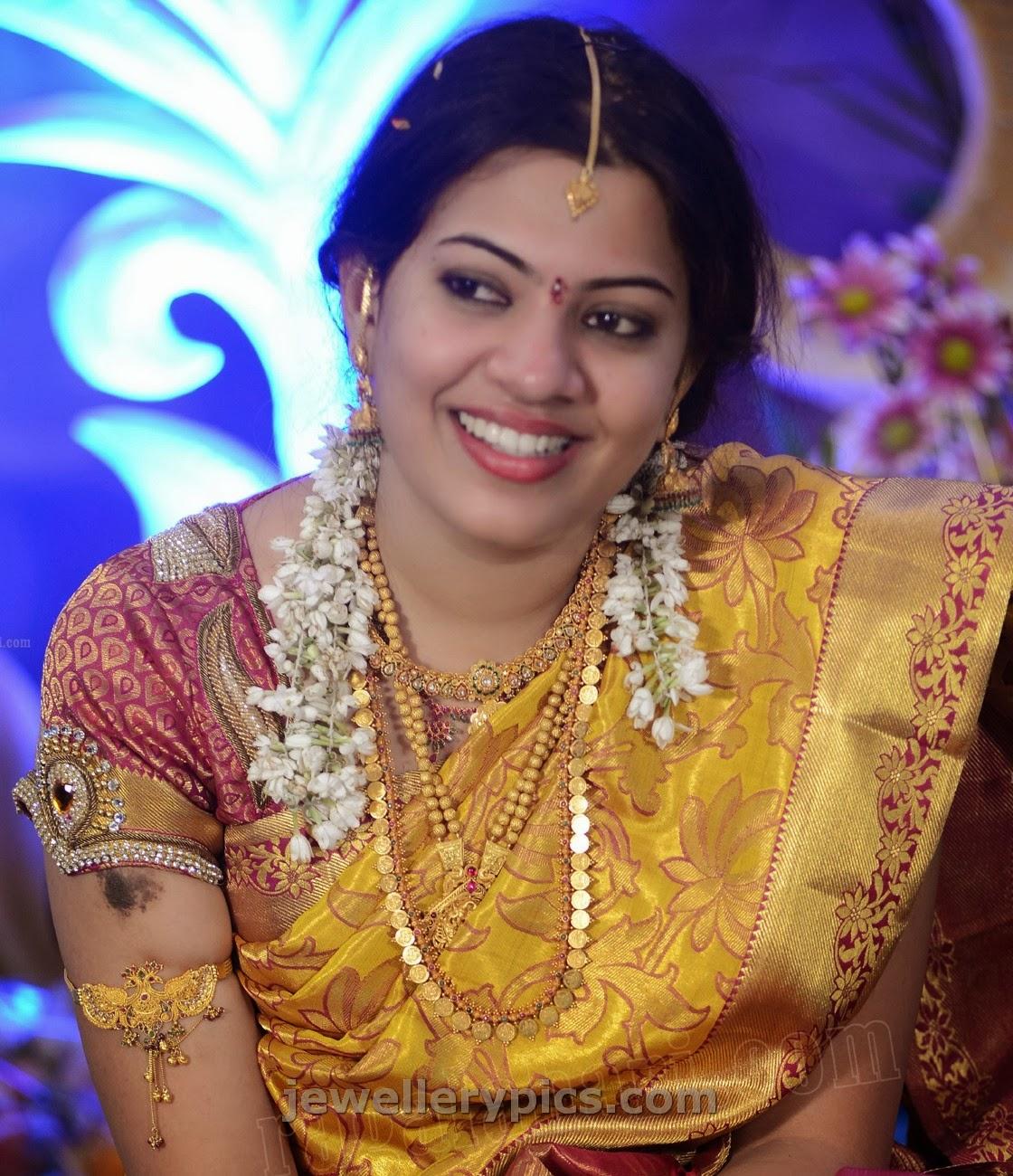 jewellery design pictures: Geetha Madhuri Engagement jewellery
