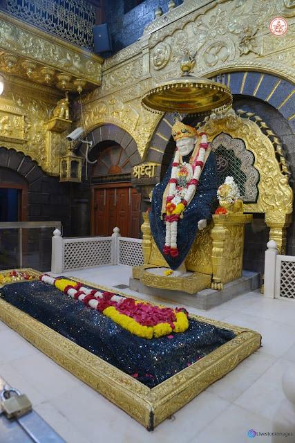 Sai baba image with samadhi