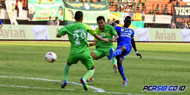Video Cuplikan Gol Persebaya vs Persib 1-1