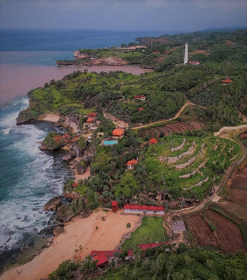 Cantiknya Pantai Ngrawe Gunung Kidul Yogyakarta
