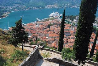 vue sur la ville de Kotor depuis les murailles