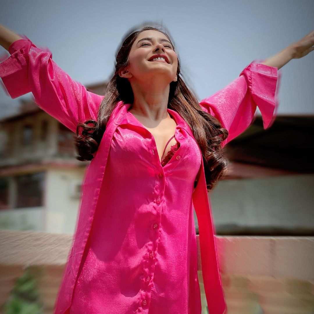 Ullu Paro (2021) Actress Leena Jumani Instagram Photos