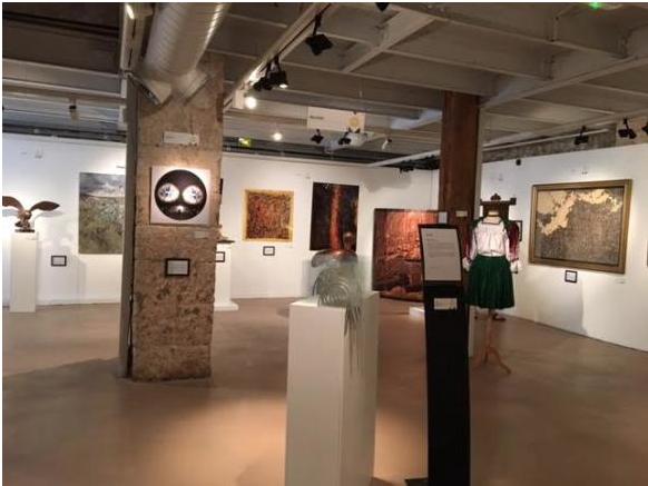 La pintora ecuatoriana Carolina Alfonso participa en la exposición 'Consul Art' en Francia