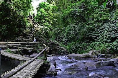 Jembatan bambu sebelum Air Terjun Nungnung - Backpacker Manyar