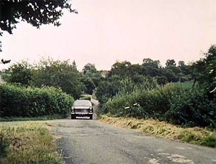The Swanland Road, Warrengate Road cut through  1968 Screen grab courtesy of www.randallandhopkirk.org.uk