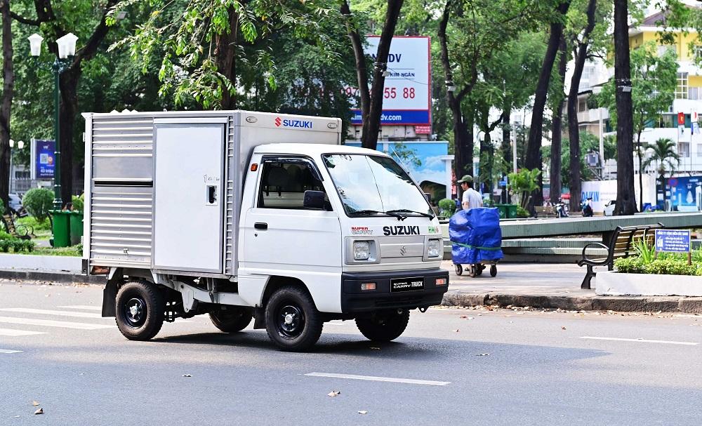 Sở hữu Suzuki Carry Truck, chủ xe chỉ cần bảo dưỡng ở cột mốc 6 tháng hoặc 7.500 km tuỳ điện kiện nào đến trước, giúp tiết kiệm thời gian và chi phí