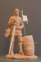 statuetta realizzata a mano soldato medievale da colorare con armi e stendardo orme magiche