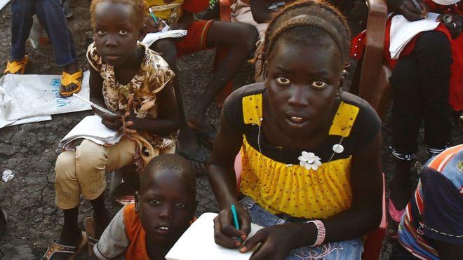 G7 summit: $3bn pledge for girls' education