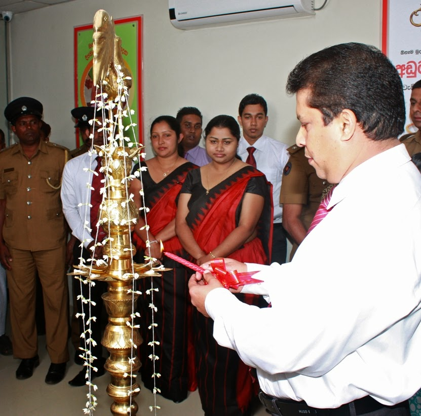 Traditional lighting of the oil lamp
