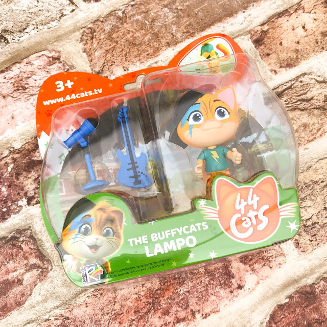 Close up of Lampo in its packaging