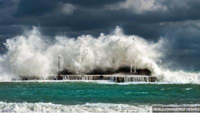 Kabar Berita Terbaru Hari Ini BMKG: Peringatan Dini Besok Minggu 21 Juli 2019: Waspada Wilayah Gelombang Tinggi dan Hujan Petir