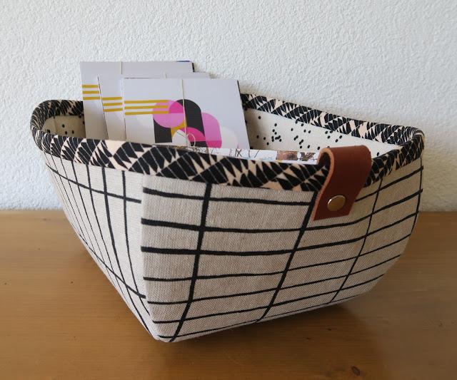 Luna Lovequilts - Basket for displaying my postcards
