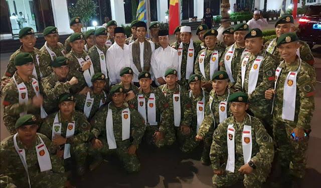 Ustadz Abdul Somad Bersama Prajurit TNI AD