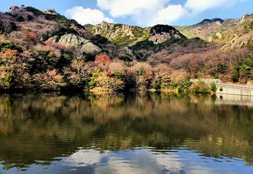 Intotani Pond at the lower end of the Kankakei Gorge, Shodoshima.