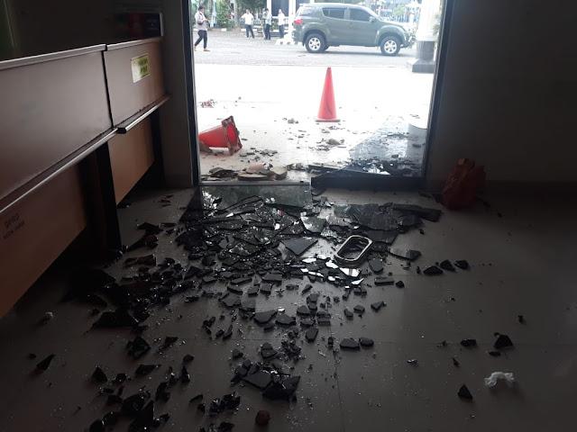Polda Jambi dan Polresta Kota Jambi Kecolongan Aksi Pelajar STM Yang Brutal Menyerang Gedung DPRD Kota Jambi