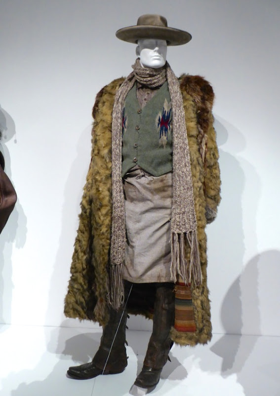 Demián Bichir Hateful Eight Bob film costume