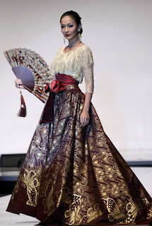Long Dress Batik untuk Acara Pesta, model pertama