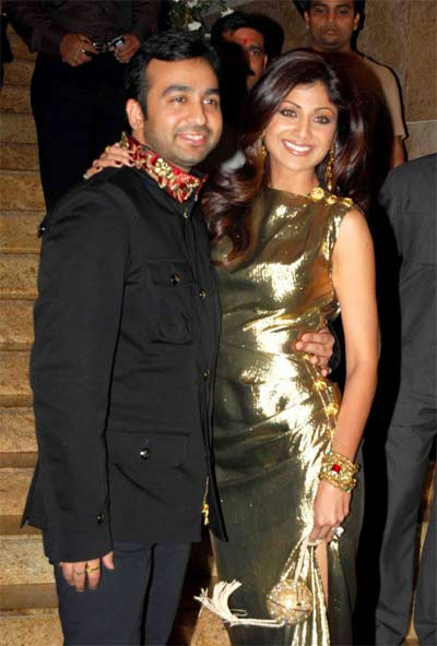 Bollywood: Shilpa Shetty With Husband Raj Kundra In Pics ...