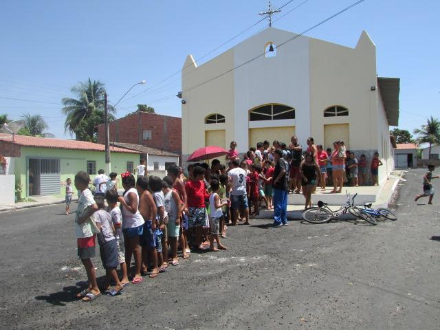 """Em Delmiro Gouveia, confira imagens da entrega dos ingressos da oitava edição do """"Domingo no Parque"""""""