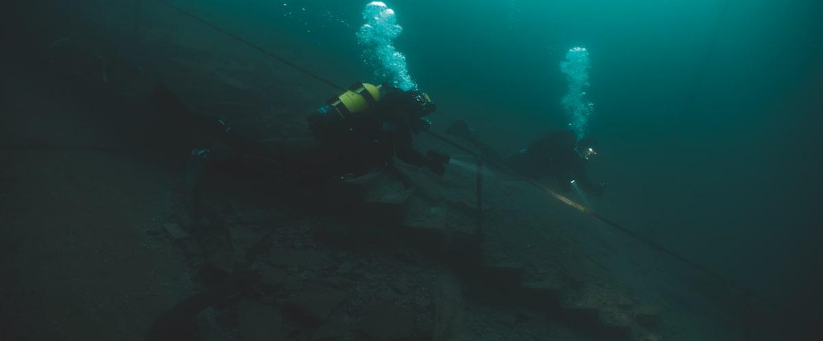 Первые кадры подводного хоррора The Deep House про блогеров и маньяка - 03