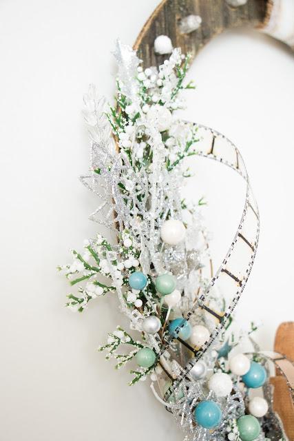 @mila_valentova #wreath #mixedmedia