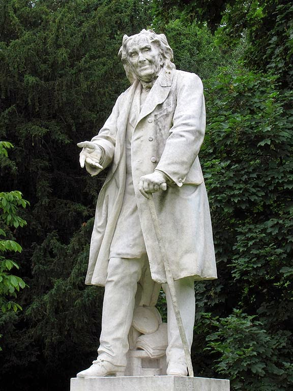 Statue of Michel Eugène Chevreul by Léon Fagel, Jardin des Plantes, Paris
