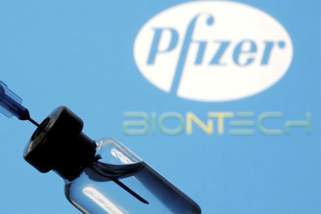 Primeiro lote de vacinas da Pfizer chega amanhã ao Brasil