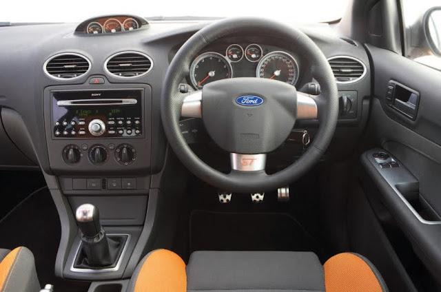 【鍵盤車訊】樸實無華,但熱血的性能鋼砲 --- Ford Focus ST225 - 競技的內裝設定