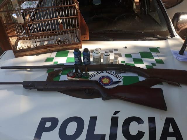 Polícia Ambiental apreende espingarda, munições e ave silvestre com anilha falsificada na zona rural de Rancharia