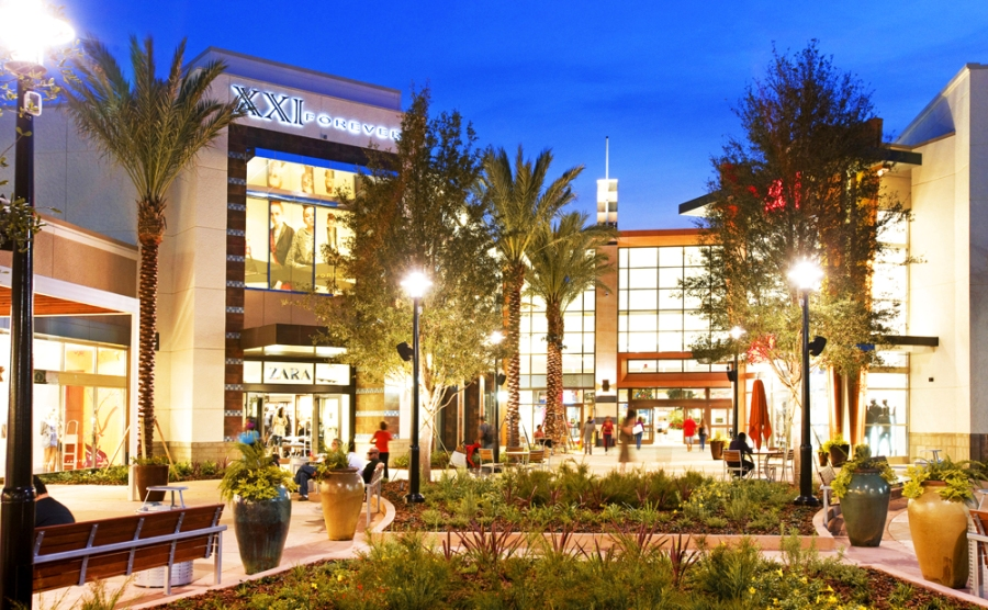 Malls in Orlando The Mall at Millenia Close to Universal Orlando ® Resort and SeaWorld Orlando, this upscale mall features luxury brands such as Apple, Cartier, Prada, Tiffany & Co. and Versace, to name a .