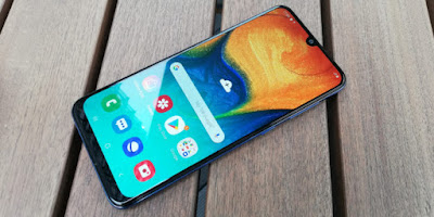 Apa Saja Keistimewaan Ponsel Pintar Samsung Galaxy A30?
