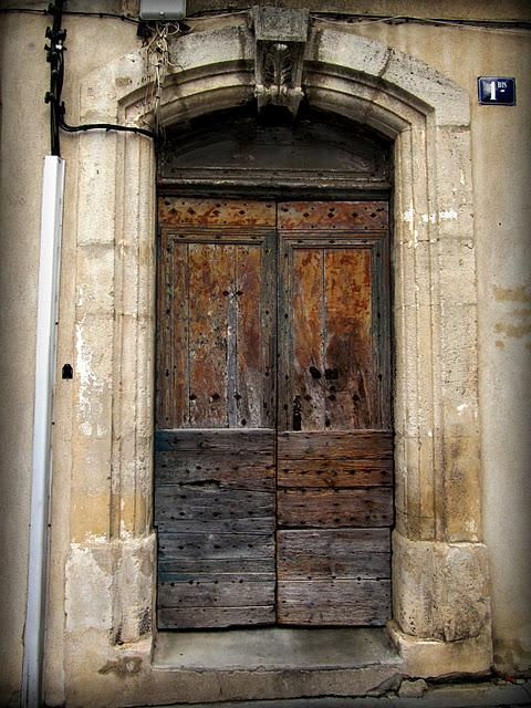 Instantes decadencia for Puerta que se cierra sola