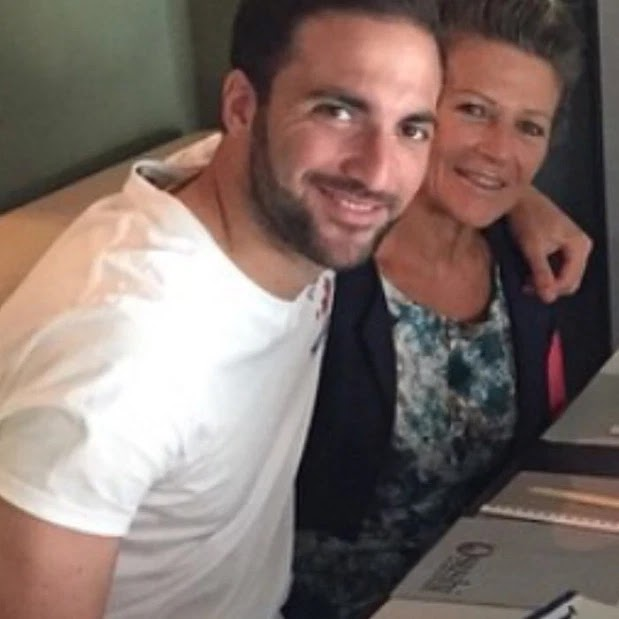 Juventus star Gonzalo Higuain broke quarantine rules in Italy to be with his mum