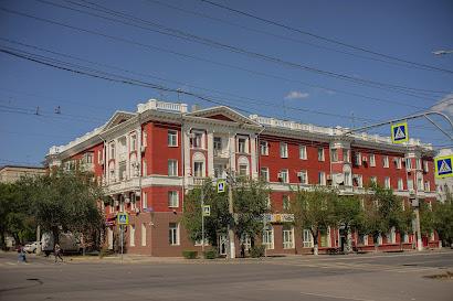 Волгоград совесткая архитектура красный дом