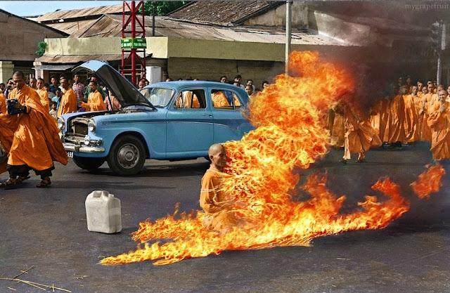 foto  saolin budha yang dibakar tahun 1963