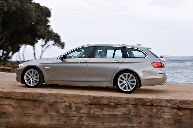 2017 New Series BMW 5 Touring M5 And Gt MOdels On Drive side view