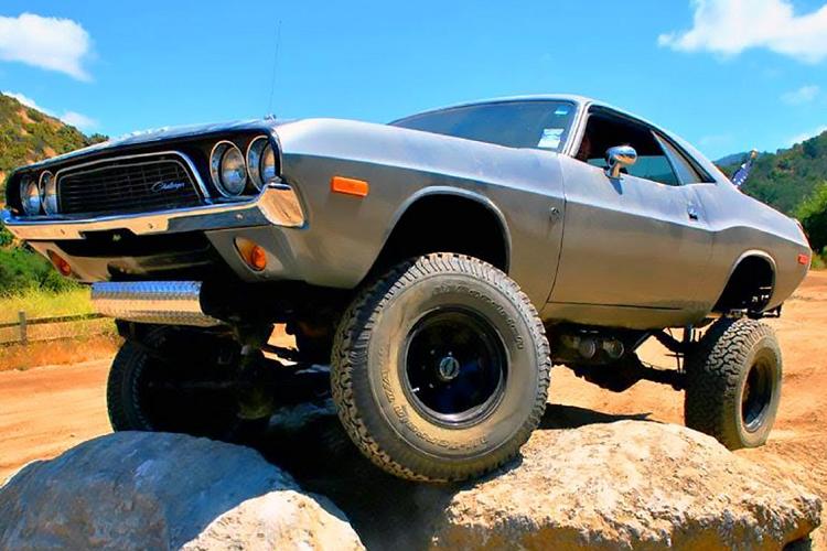 Dodge Challenger 4x4 1972 off-road 'vô đối' chỉ 675 triệu đồng