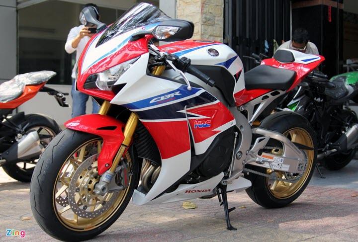 Kawasaki Z1000 và những mẫu môtô 'vạn người mê' tại Việt Nam